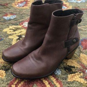Dansko shorty boot
